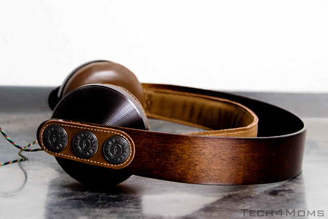 headphones03