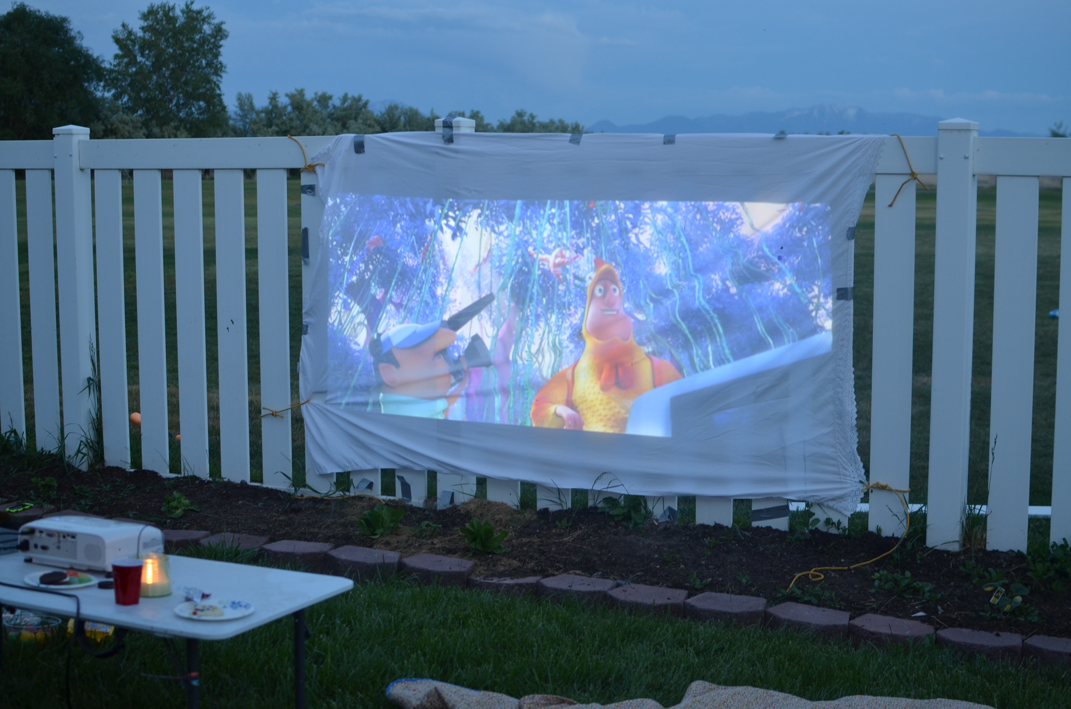 DIY Portable Projector Screen with Epson Projector ...