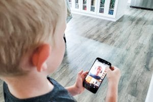 helping your kids stay connected